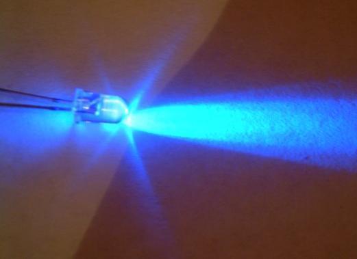 Les led provoquent une peur bleue enviro2b - Les lampes led sont elles dangereuses pour la sante ...