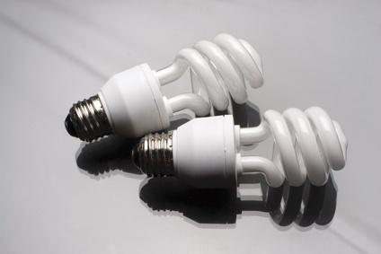 les ampoules basse consommation seraient elles dangereuses enviro2b. Black Bedroom Furniture Sets. Home Design Ideas