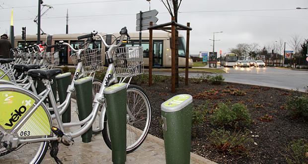 Station Vélo'+ Droits de l'homme (crédit Agglo Orléans)