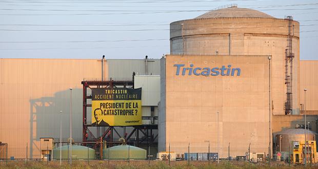 Centrale du Tricastin le 15 juillet 2013 (crédit Greenpeace)